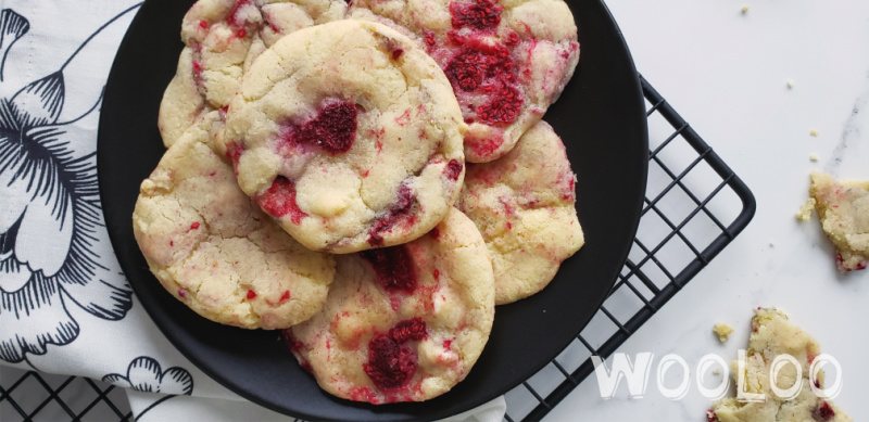 Biscuits aux framboises et chocolat blanc