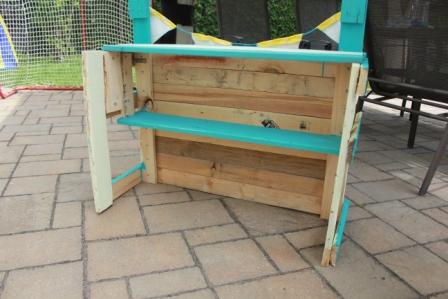 5 tapes faciles pour fabriquer un kiosque de limonade wooloo. Black Bedroom Furniture Sets. Home Design Ideas