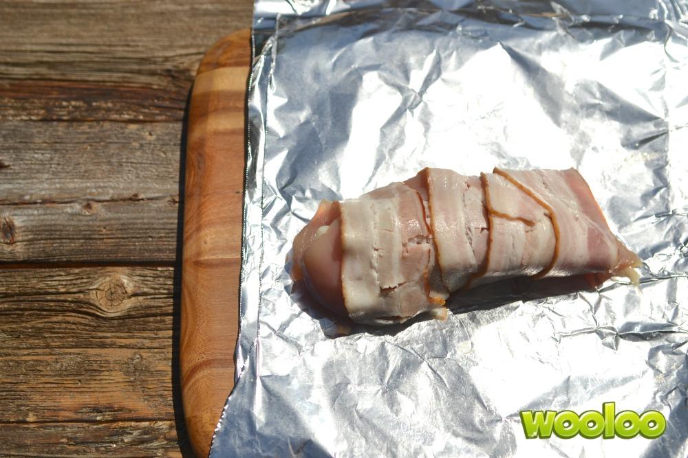 Poitrines de poulet farcies sur feu de camp Wooloo
