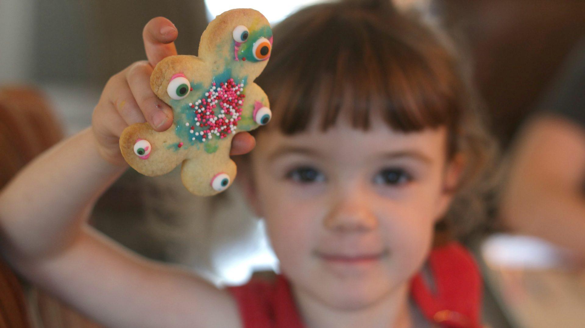 Comment décorer des biscuits avec des enfants