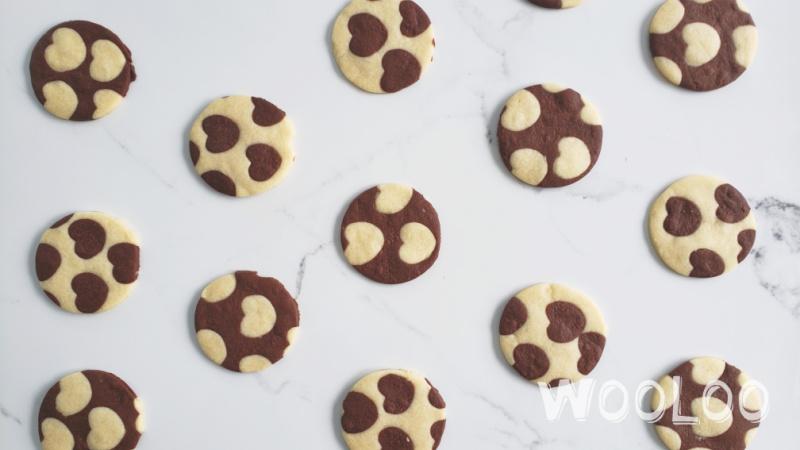Faire des biscuits avec des coeurs deux couleurs