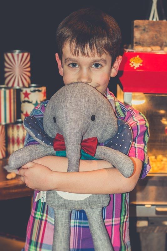 Peluche éléphant par Pantoufle de Verre pour une fête d'enfants sur la thématique cirque et de Dumbo