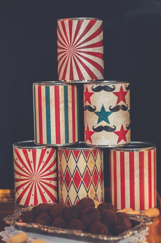 Décoration pas cher pour une fête d'enfants sur la thématique cirque et de Dumbo.