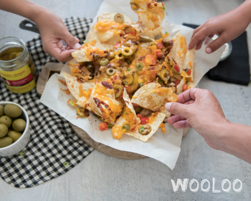 Nachos tout garnis aux Olives Gordal d'Espagne et au poulet effiloché