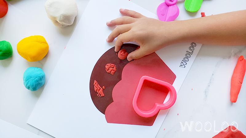 napperon-pate-a-modeler-cupcake- wooloo-1