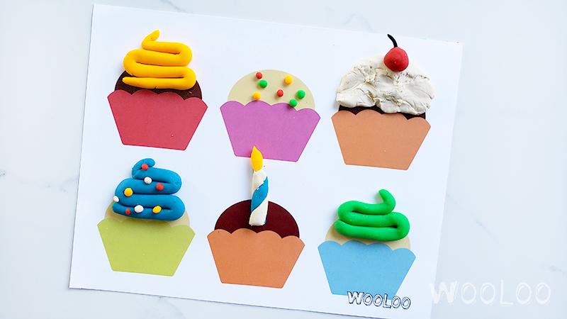 Napperon de jeu pour décorer son cupcake en pâte à modeler